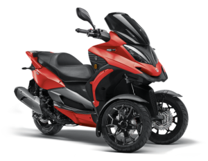 Moto de 3 ruedas Qv3 Color Rojo Suiza Grupo Qstore Madrid